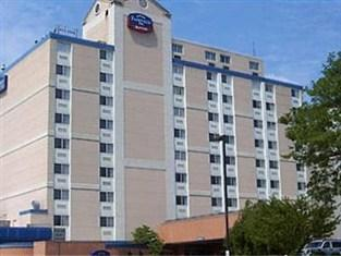 Photo of Charleston Plaza Hotel