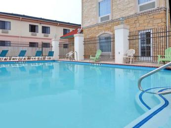 Photo of La Quinta Inn & Suites Granbury