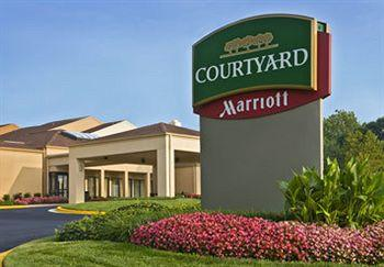 Courtyard by Marriott Fairfax Fair Oaks