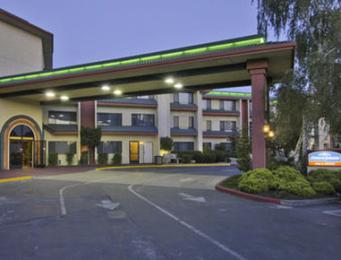 Photo of Howard Johnson O'Cairns Inn and Suites Rocklin