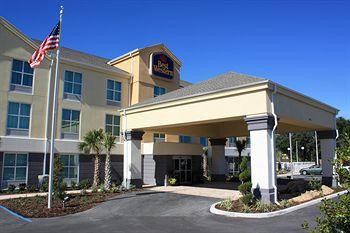 ‪BEST WESTERN PLUS Chain of Lakes Inn & Suites‬