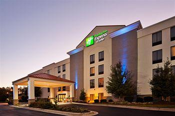 ‪Holiday Inn Express & Suites Research Triangle Park‬