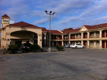 Scottish Inn & Suites
