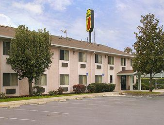 Super 8 Selma/Fresno Area