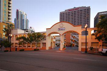 Red Roof Inn San Diego Downtown
