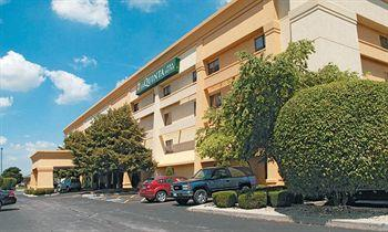 La Quinta Inn & Suites Chicago Tinley Park