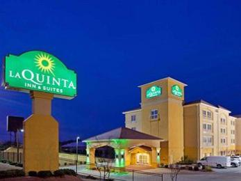 Photo of La Quinta Inn & Suites Tupelo