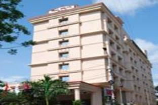 Hotel Ramada Raj Park at Alwarpet, Chennai.