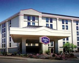 Hampton Inn Cincinnati Riverfront (Downtown Area)