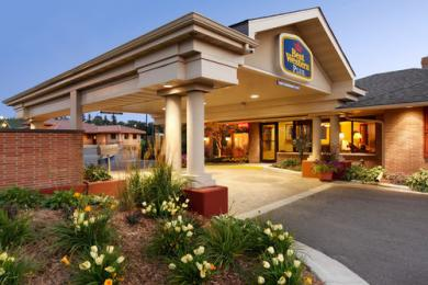 Photo of BEST WESTERN Plus Holland House Detroit Lakes