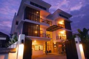 Studio 99 Serviced Apartments