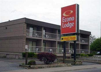 Photo of Econo Lodge By the Falls Niagara Falls
