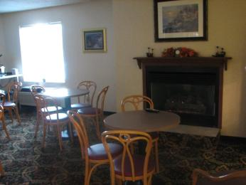 Charlevoix Inn & Suites