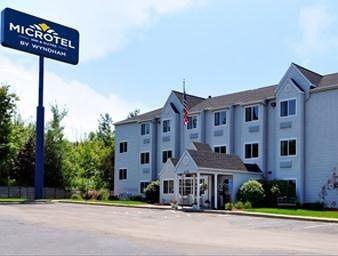 ‪Microtel Inn by Wyndham Erie‬