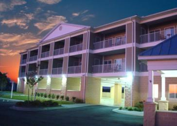 ‪Island Inn and Suites‬