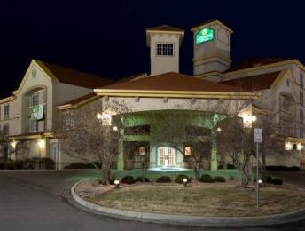 Photo of La Quinta Inn & Suites Denver Airport DIA