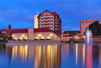 Photo of Sheraton Westport Chalet Hotel St. Louis Maryland Heights