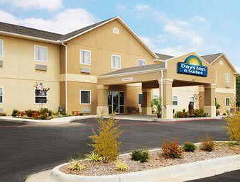 Photo of Days Inn & Suites Cabot