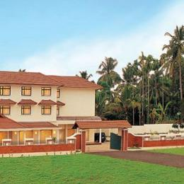 Marickar Hotel & Suites-Nedumbassery