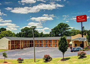 Photo of Econo Lodge Inn & Suites Evergreen