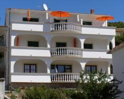 Apartments and Rooms Perina