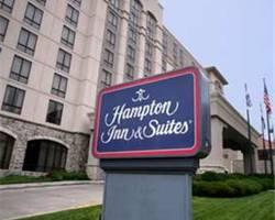 ‪Hampton Inn & Suites Kansas City Country Club Plaza‬