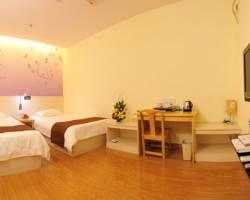 Youth Sunshine Motel (Xiamen Songbuo)