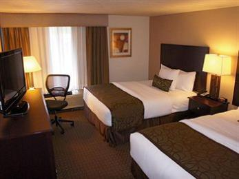 La Quinta Inn & Suites Portland NW