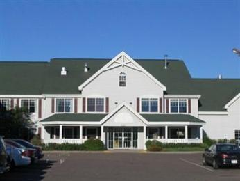 ‪Country Inn & Suites Chippewa Falls‬