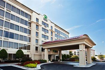 ‪Holiday Inn Express Atlanta-Kennesaw‬