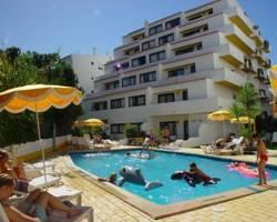 Praia Oura Apartments