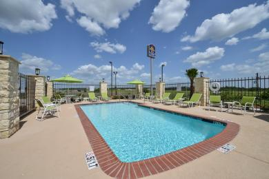 BEST WESTERN PLUS Longhorn Inn & Suites