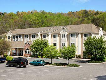 Microtel Inn & Suites by Wyndham Cherokee