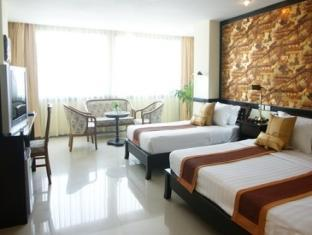 Jomtien Holiday Hotel