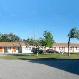 Photo of Lakmar Motel Winter Haven