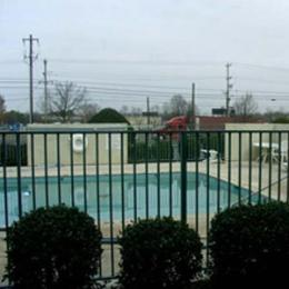 Photo of Super 7 Inn Memphis Graceland