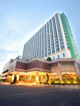 Photo of Chaophya Park Hotel Bangkok