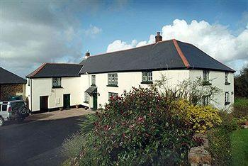 Higher Darracott Farm Bed & Breakfast