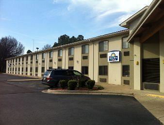 Days Inn and Suites Brinkley