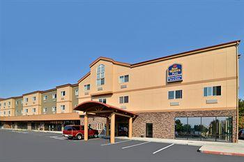 ‪BEST WESTERN PLUS Battle Ground Inn & Suites‬