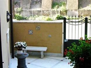Domus Pinciana Bed & Breakfast