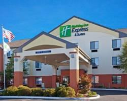 ‪Holiday Inn Express Hotel & Suites Muncie‬