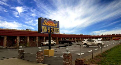 Photo of Sunset Inn & Suites West Sacramento