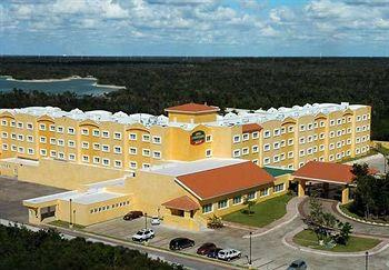 Photo of Courtyard By Marriott Cancun Airport