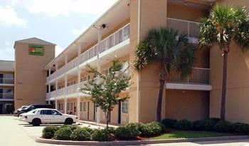 Sun Suites Gulfport Airport