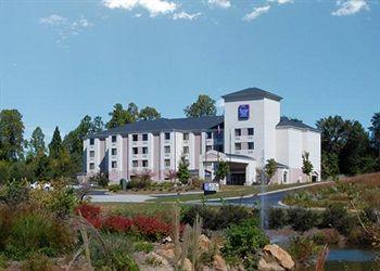 Photo of Sleep Inn &amp; Suites Mooresville