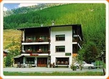 Photo of Hotel Atlas Saas Grund