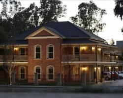 Photo of Carlyle Suites &amp; Apartments Wagga Wagga
