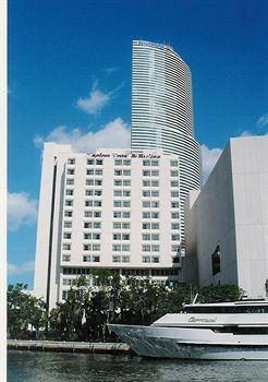 Photo of River Park Hotel & Suites Downtown/Convention Center Miami