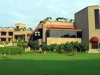 Photo of Claremont Hotel and Convention Centre New Delhi